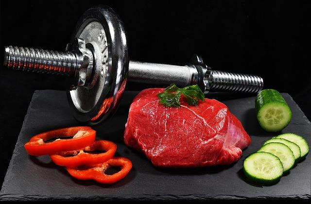 maso, okurka a paprika u čínky
