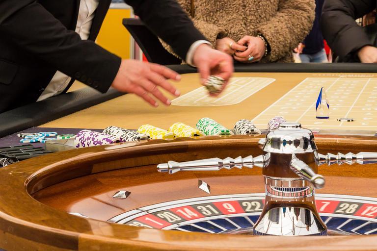 hraní hazardu